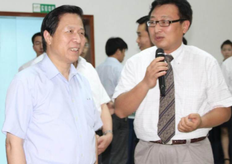 Liang Baohua, then Secretary of the Jiangsu Provincial Party Committee, visited the company